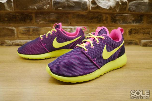 bf73ac887f3f Кроссовки Nike Roshe Run WMNS  Hyper Pink Volt Hyper Grape Black ...