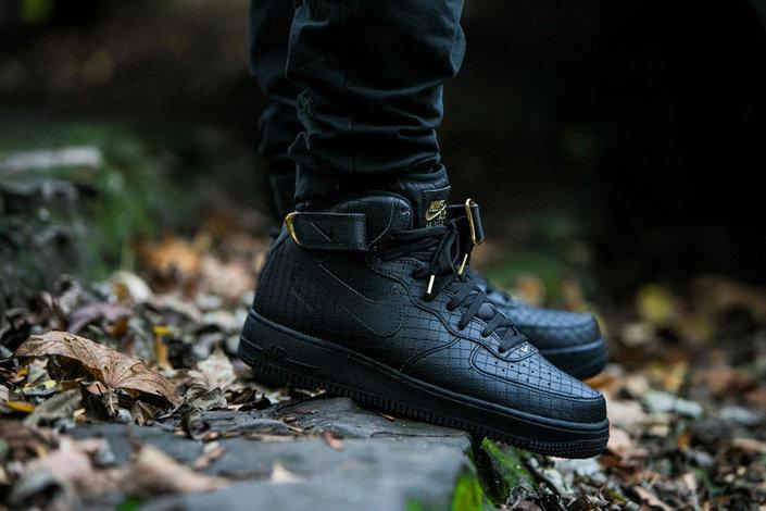 502bcd0b Какие кроссовки выбрать на осень 2016? Обзор вариантов Nike и Adidas ...