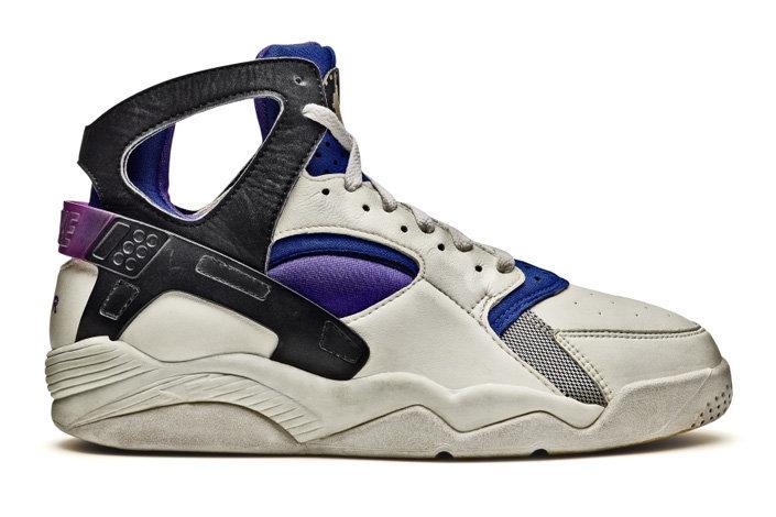 9849a882 Ради проекта Air Huarache команда Nike приняла решение отказаться от  брендинга корпуса кроссовок и потратилась на разработку новых технологий.