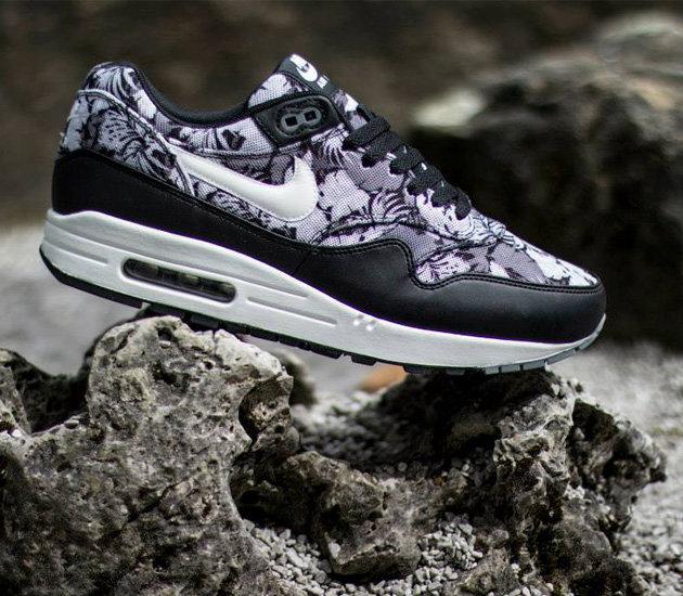buy online 5d0c7 89920 Наверняка вы, как и мы сочтете релиз Nike Air Max 1 GPX  Black White Dark  Grey  очень привлекательным, но увы, поступит он в продажу лишь в октябре.