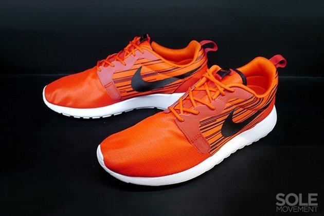 f2b05aac260e Кроссовки Nike Roshe Run Hyperfuse  Atomic Red Black  • Blog • Styles