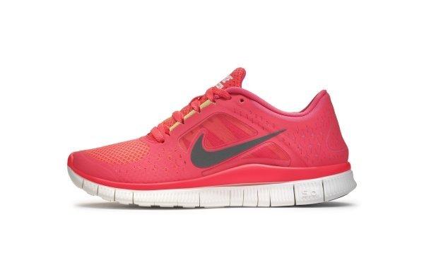 Кроссовки Nike Free Run+3. По техническому описанию они «промежуточные»  между обувью с системами амортизации и бегом босиком. Производитель  утверждает ... 3a0cba362de22