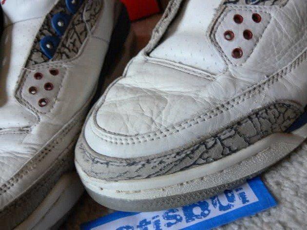 e66a686f Набейте кроссовки одноразовыми пакетами. Сделайте именно так, чтобы не было  свободного места в каждом из кроссовок. Давление пакетов на внутренние  части ...