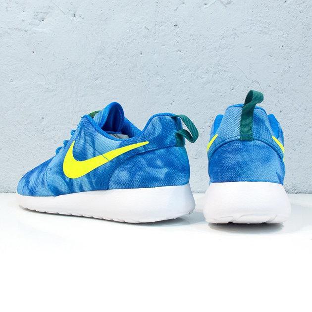 fd13c48f4a5f Кроссовки Nike Roshe Run 'Marble   Photo Blue Electric Green Mystic ...