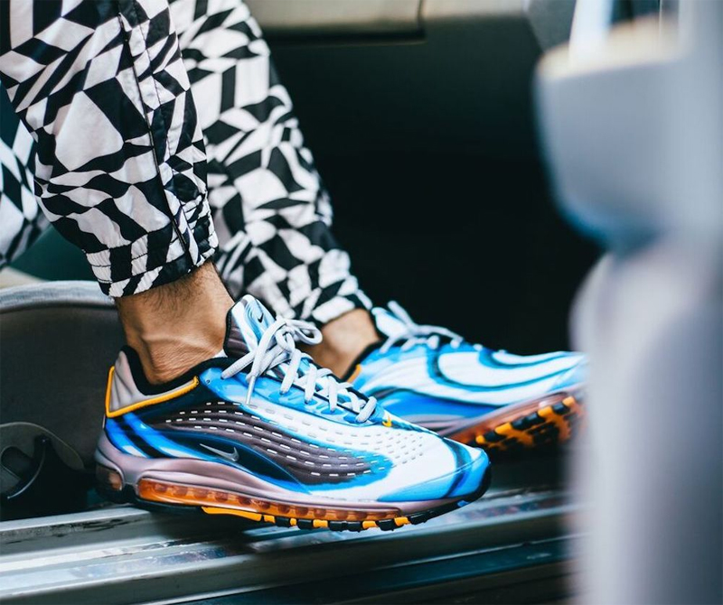 """2b0be4e8 Дома дизайнеры NIke воссоздали """"светящийся"""" эффект в кроссовках Nike Air  Max Deluxe ..."""