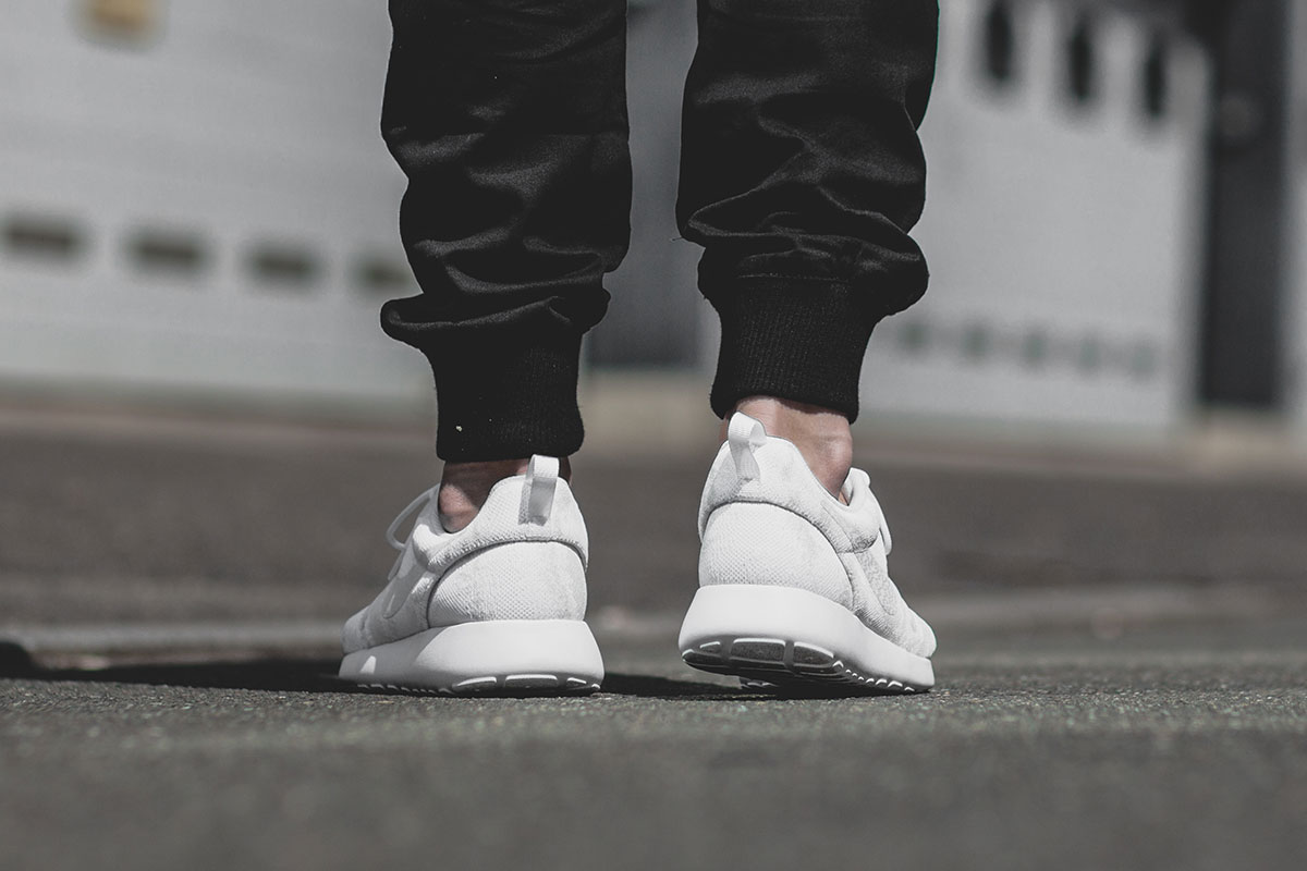 Кроссовки Nike Roshe One Knit Jacquard – White / Sail