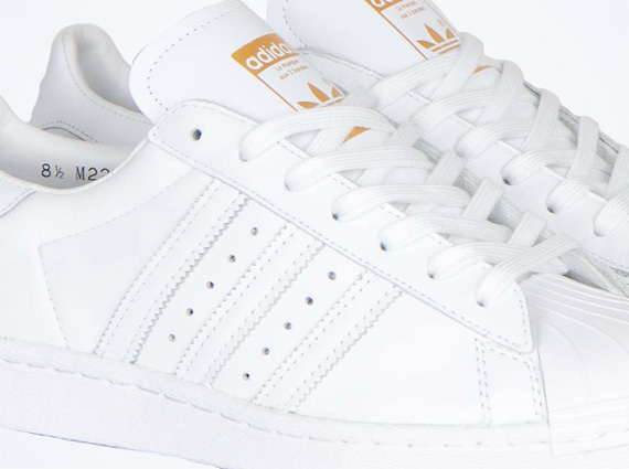 Коллабрация EDIFICE x adidas Originals Superstar 80s
