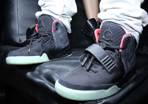 Кроссовки Nike Air Yeezy 2 [Solar Red]