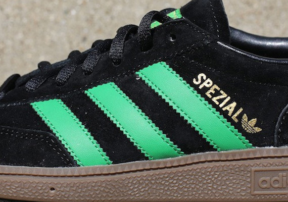 Кроссовки adidas Originals Spezial [Black Green Gum]