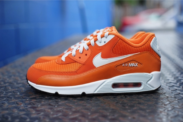 Кроссовки Nike Air Max 90 Essential [Solar Orange Light Base Grey – Sail]