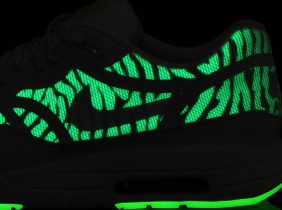 Кроссовки Nike Air Max 1 Premium Tape [Glow in the Dark]