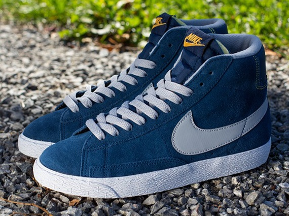 Кроссовки Nike Blazer Mid VNTG GS [Brave Blue Wolf Grey Laser Orange]